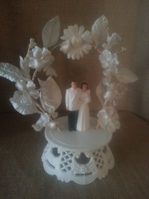 Lovely Mid-Century Cake Topper