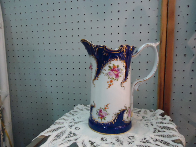 Victorian-style Pitcher-